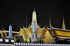 Uroczysty pałac Bangkok nocą Zdjęcie Stock
