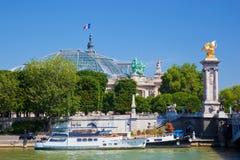 Uroczysty Palais i Alexandre most, Paryż, Francja Zdjęcia Stock