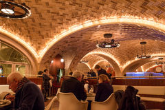 Uroczysty Środkowy Ostrygowy bar NYC Zdjęcie Royalty Free