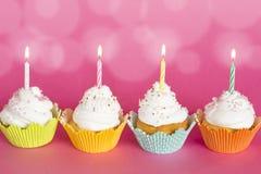 Urodzinowe babeczki obraz stock