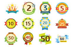 Urodzinowego odznaka sztandaru projekta mieszkania świętowania emblemata rocznicy karty papieru i daty majcheru ustalony zaprosze royalty ilustracja