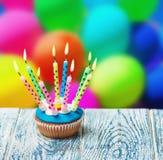 urodzinowej karty babeczki powitanie szczęśliwy Fotografia Stock