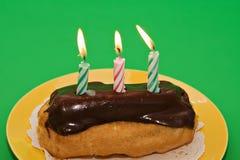 urodzinowy eclair ciasta obrazy stock
