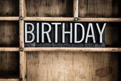 Urodzinowy pojęcie metalu Letterpress słowo w kreślarzie Obrazy Stock