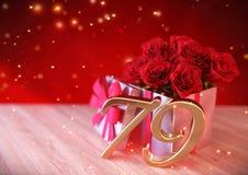 Urodzinowy pojęcie z czerwonymi różami w prezencie na drewnianym biurku seventy-nineth 79th Obraz Stock
