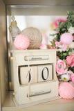 Urodziny lub dziecko prysznic wystroju daty pudełko Zdjęcia Stock