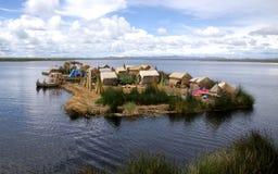 Uros, floting eiland van meer Titicaca, Peru. Stock Fotografie