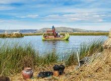 Uros Islands sur le Lac Titicaca au Pérou Image stock