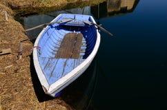 uros rowing голубых островов шлюпки старые Стоковое Изображение RF