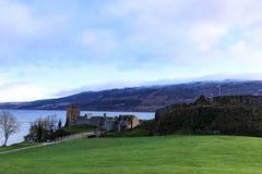 Urquhart城堡废墟斯诺伊景色  库存照片