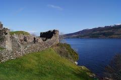 Urquhart slott och Loch Ness royaltyfri foto