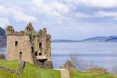 Urquhart slott på Loch Ness i Skottland Arkivbilder