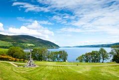 Urquhart slott på sjöLoch Ness, Skottland Fotografering för Bildbyråer