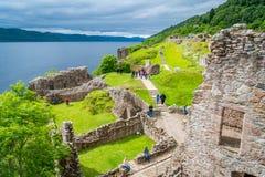 Urquhartkasteel op Loch Ness in de Schotse hooglanden royalty-vrije stock foto