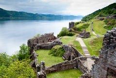Urquhartkasteel op Meerloch Ness, Schotland royalty-vrije stock afbeeldingen