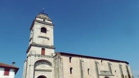 Urrugne Kościelny wierza Południowy Francja Europa i wioska obrazy royalty free