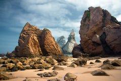 Ursa海滩岩石 库存照片