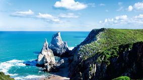 Ursa plaży falezy, Portugalia Obraz Royalty Free