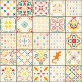 Ursnygg blom- patchworkdesign Marockanska eller medelhavs- fyrkanttegelplattor, stam- prydnader För tapettryck modellpåfyllningar Arkivbilder