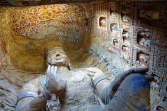 Ursnygg buddistisk grotta Royaltyfri Foto