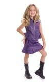 ursnygg flicka little som modellerar Arkivfoton
