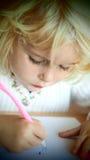 Ursnygg liten flickateckning Royaltyfri Fotografi
