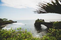 Ursnygg sikt av Indiska oceanen från söderna av den Bali stranden royaltyfri fotografi