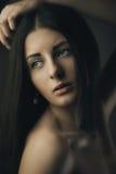 ursnygg skönhetbrunett Royaltyfri Bild
