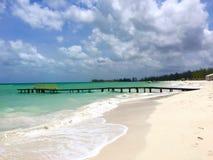 Ursnygg tropisk strand Royaltyfri Bild