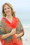 ursnygg utvändig kvinna för strand royaltyfri fotografi