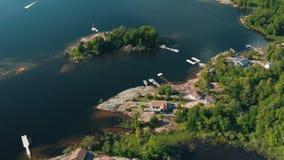 Ursnyggt flyg- upprättande skott av den georgiska fjärden, Ontario lager videofilmer