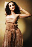 ursnyggt posera för flicka Arkivfoto