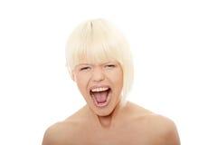 ursnyggt skrika för blond kvinnlig Royaltyfri Fotografi