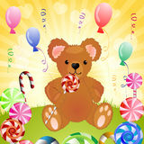 Urso com doces Fotografia de Stock Royalty Free