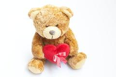 Urso da peluche de Brown com coração Imagens de Stock Royalty Free