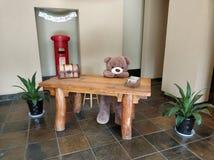 Urso da tabela no museu 061 do liangzhu imagens de stock