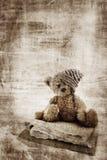 Urso de peluche de Grunge. ilustração do vetor