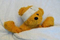 Urso de peluche doente Foto de Stock Royalty Free