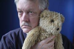 Urso de peluche sênior da terra arrendada fotografia de stock