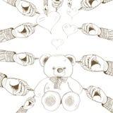 Urso desenhado mão do vetor com coração Foto de Stock