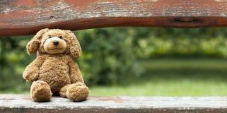 Urso do brinquedo - bandeira do conceito do aniversário Imagem de Stock