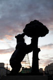 Urso do símbolo do Madri imagens de stock