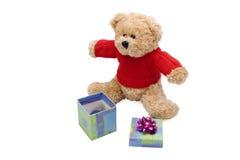 Urso e presente da peluche Foto de Stock Royalty Free