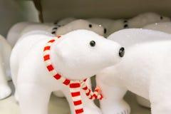 Urso polar do brinquedo do Natal pelo ano novo fotografia de stock