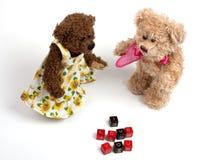 Ursos de peluche dos pares com coração. Dia do Valentim Imagem de Stock Royalty Free