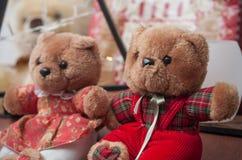 ursos de peluche para o presente do Natal Imagens de Stock Royalty Free