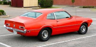 Ursprunglig apelsin Ford Maverick Antique Car 1965 Arkivbilder
