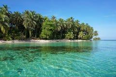 Ursprunglig karibisk ö i Panama Arkivbilder
