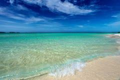 Ursprunglig kubansk strand i den Cayo cocoen Royaltyfri Fotografi