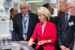Ursula von der Leyen-Minister Verteidigung Stockfotos